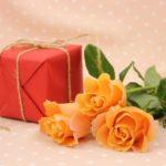 介護職の女性にプレゼント